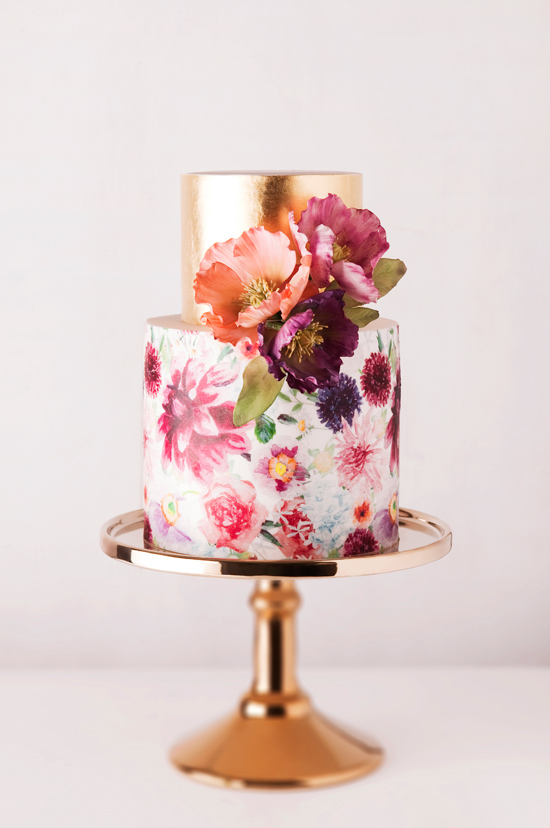 wedding-cake-trend-handpainted-florals