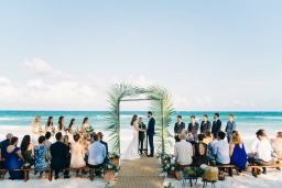 7 Ideas for an Awesome Beach Wedding