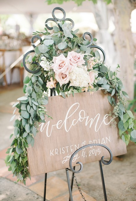 2016_bridescom-editorial_images-08-neutral-wedding-color-palette-ideas-large-neutral-wedding-color-palette-ideas-john-schanck-photography-2