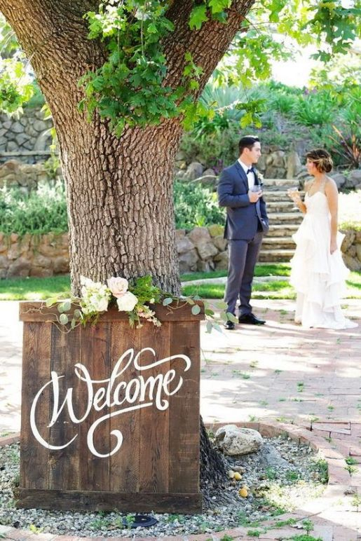 romantic-ranch-outdoor-welcome-wedding-sign