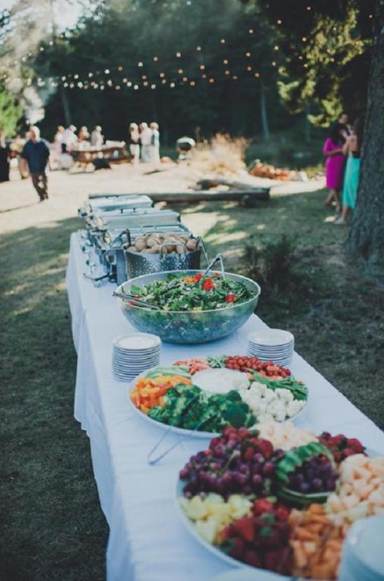 simple-wedding-buffet-for-backyard-wedding