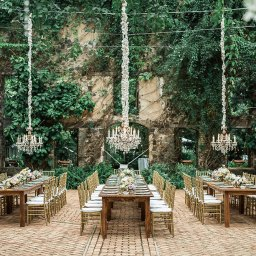 Peek into this Mesmerizing Wedding in Hawaii with an Old World Charm