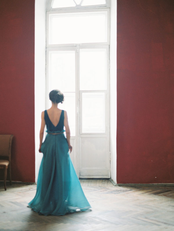 ethereal-wedding-inspiration-with-teal-and-marigold-17-600x797
