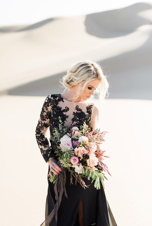 real-sand-dunes-elopement-with-a-black-wedding-gown-09-600x891