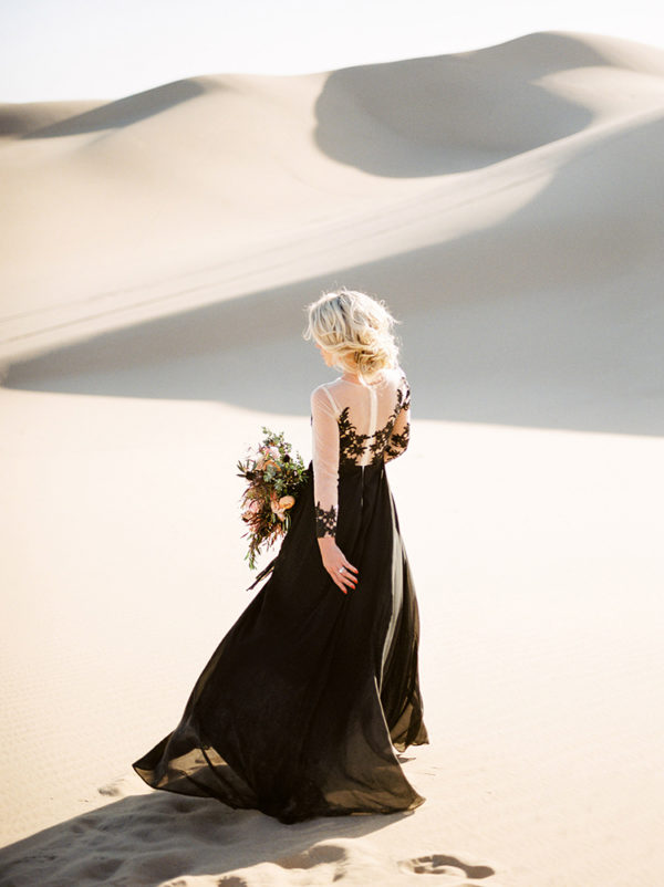 real-sand-dunes-elopement-with-a-black-wedding-gown-17-600x802
