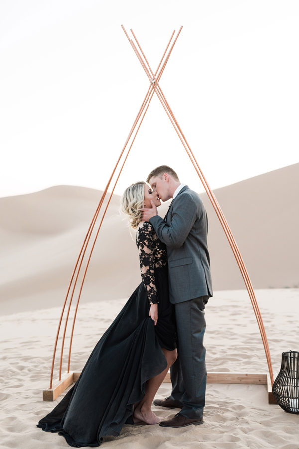 real-sand-dunes-elopement-with-a-black-wedding-gown-64-600x899