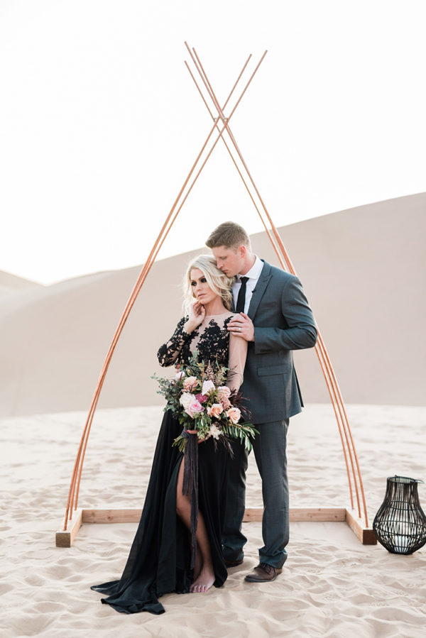 real-sand-dunes-elopement-with-a-black-wedding-gown-68-600x899