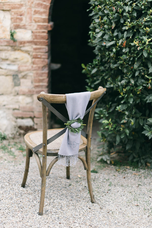 romantic-black-tie-wedding-in-tuscany-12-600x899
