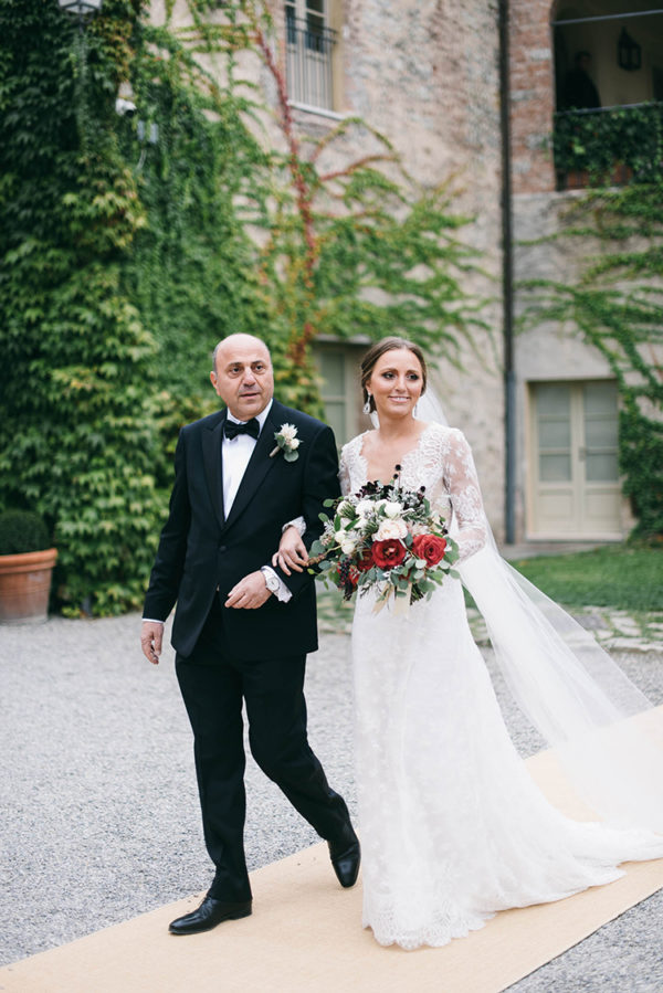 romantic-black-tie-wedding-in-tuscany-29-600x899