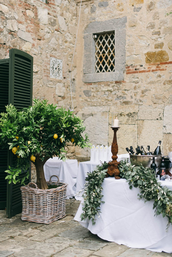 romantic-black-tie-wedding-in-tuscany-45-600x899