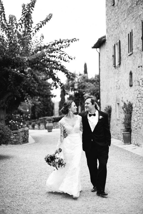 romantic-black-tie-wedding-in-tuscany-61-600x899