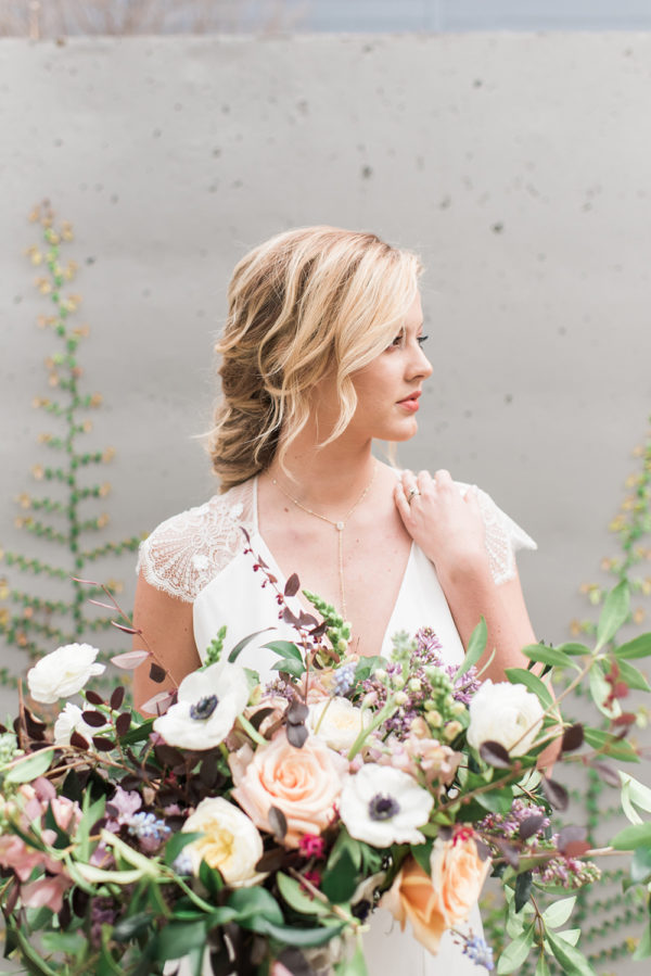 romantic-modern-minimalist-wedding-inspiration-77-600x899