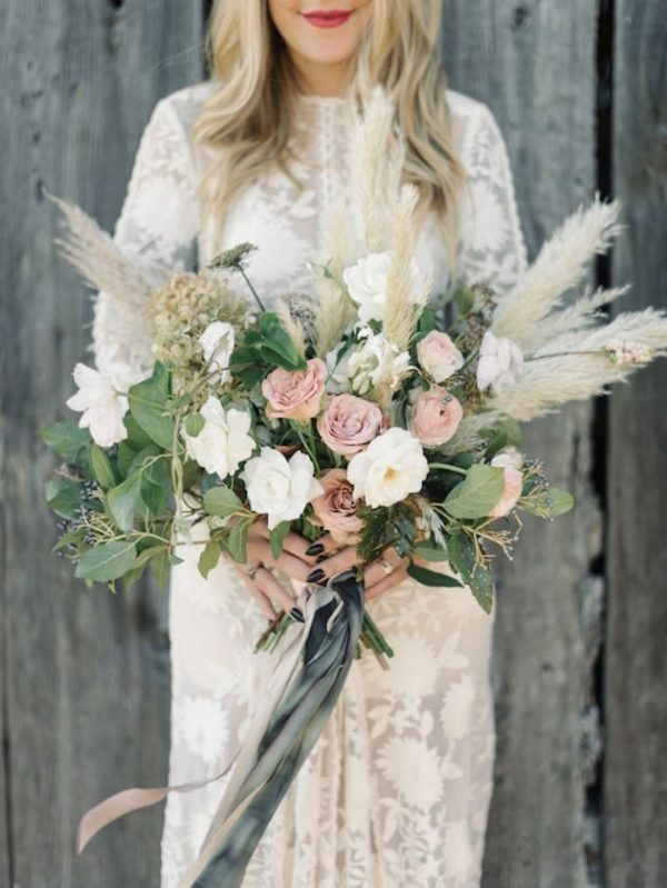 Gorgeous-Pampas-Grass-Ideas-for-your-Wedding-Bridal-Musings-Wedding-Blog-12-630x839