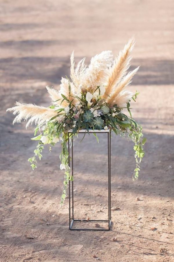 Gorgeous-Pampas-Grass-Ideas-for-your-Wedding-Bridal-Musings-Wedding-Blog-2-630x945