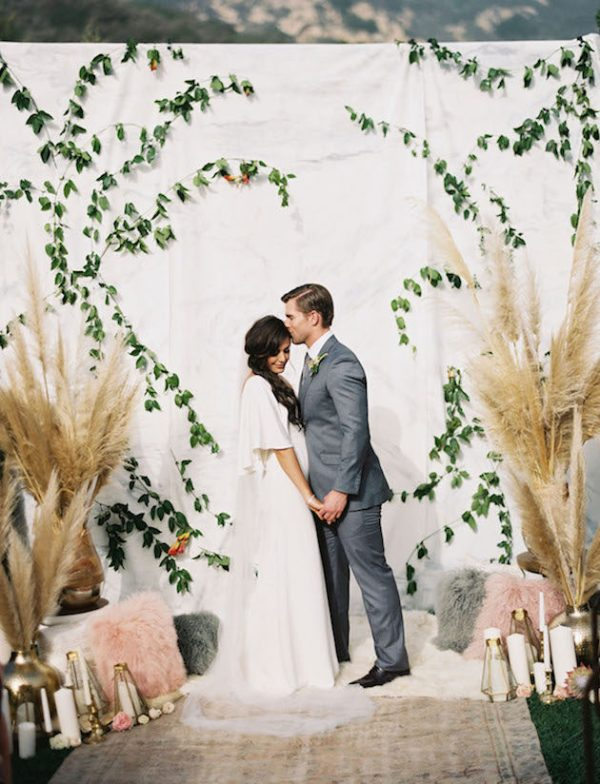Gorgeous-Pampas-Grass-Ideas-for-your-Wedding-Bridal-Musings-Wedding-Blog-30-630x824