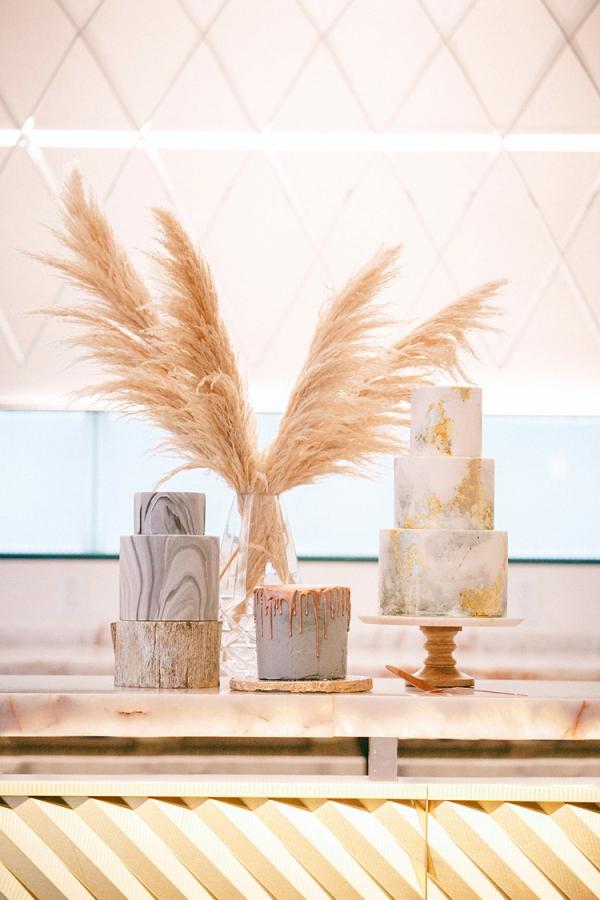 modern-wedding-inspiration-with-a-pampas-grass-chandelier-32
