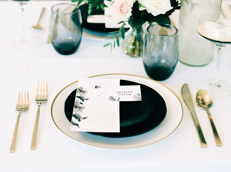 solar-eclipse-inspired-wedding-ideas-with-a-black-cake-46