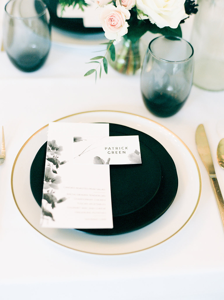 solar-eclipse-inspired-wedding-ideas-with-a-black-cake-47