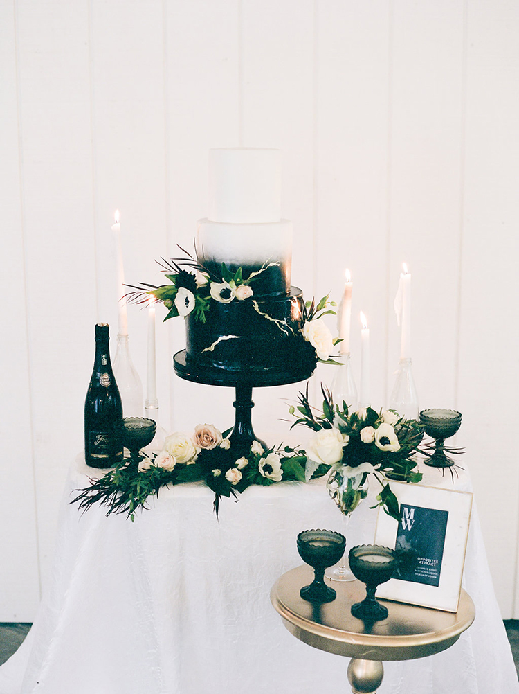 solar-eclipse-inspired-wedding-ideas-with-a-black-cake-65