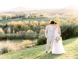 This Gorgeous Tuscan Shoot Steals the Show