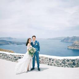 Intimate Elopement in Santorini Takes your Breath Away