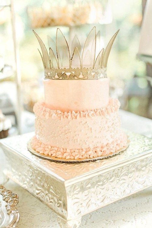 blogs-aisle-say-wedding-cake-with-crown-2
