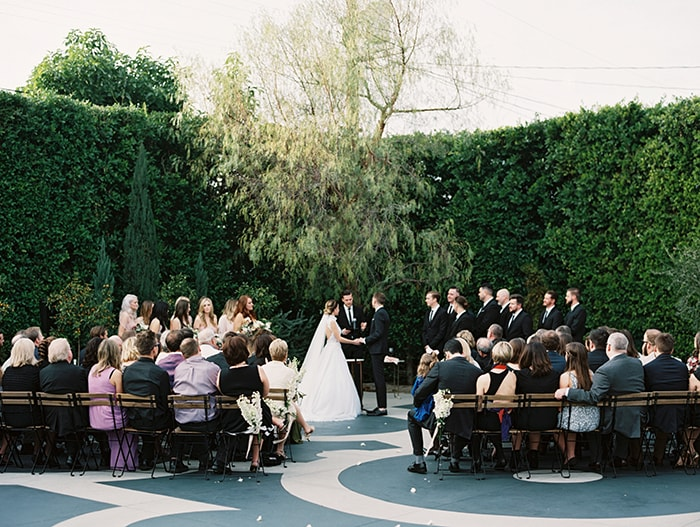 17-outdoor-garden-ceremony