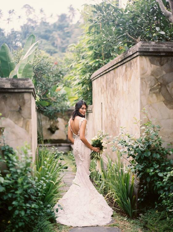 6-lush-natural-wedding-2