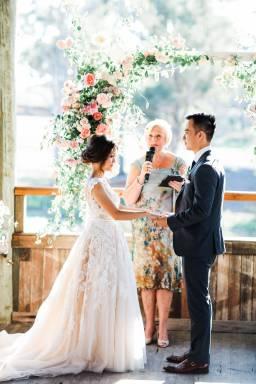 Linda & Daryn's Sweet Rustic Outdoor Wedding