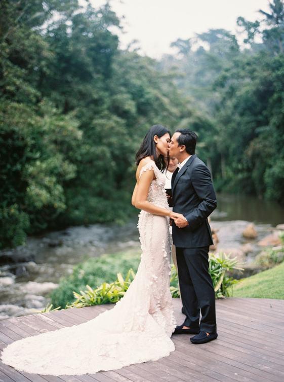 8-rainforest-destination-wedding-1