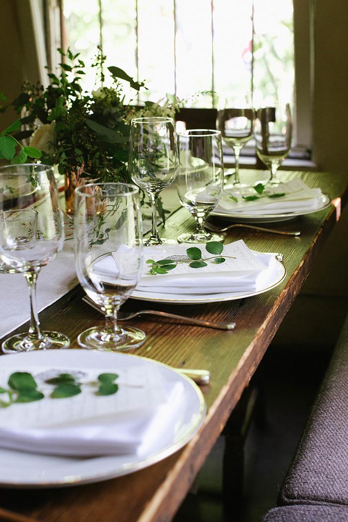 9-white-green-organic-wedding-reception1